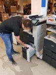 Reparere kopimaskin / laserskriver
